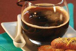 Café vanille, langues de chat aux pavots et zestes d'orange